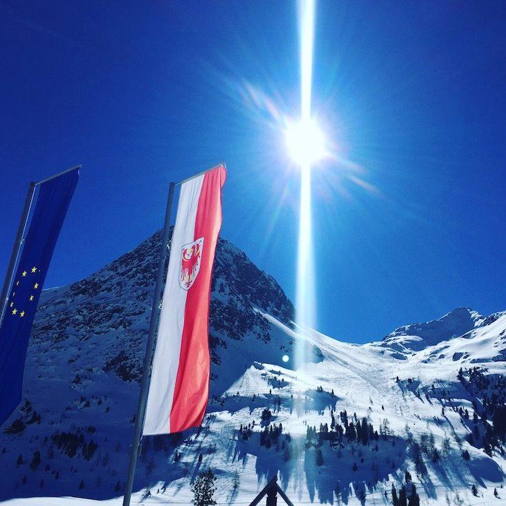Osttirol Defreggental Stallersattel Gasthaus Obersee Wintercamping Hund Schneeschuhwandern