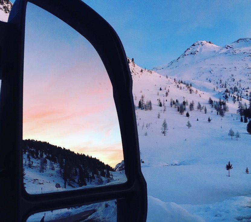 Osttirol Defreggental Staller Sattel Wintercamping Hund Schneeschuhwandern