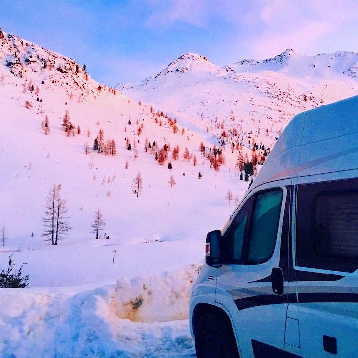 Osttirol Defreggental Staller Sattel Wintercamping Hund Schneeschuhe