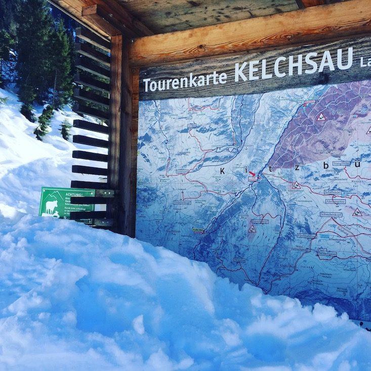 Kelchsau Wintercamping Schneeschuhe Hund Brixental Langer Grund