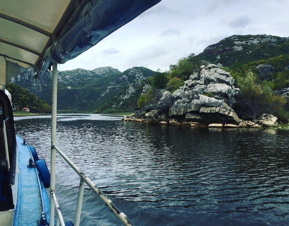 Skutarisee Skadarsko Jezero Montenegro Bootstour hund