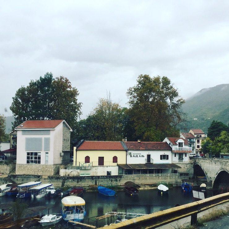 Virpazar Skadarsee Nationalpark Montenegro Camping Wohnmobil Hund Bootstour