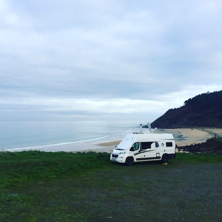 Hund camping Nordspanien Asturien Kantabrien