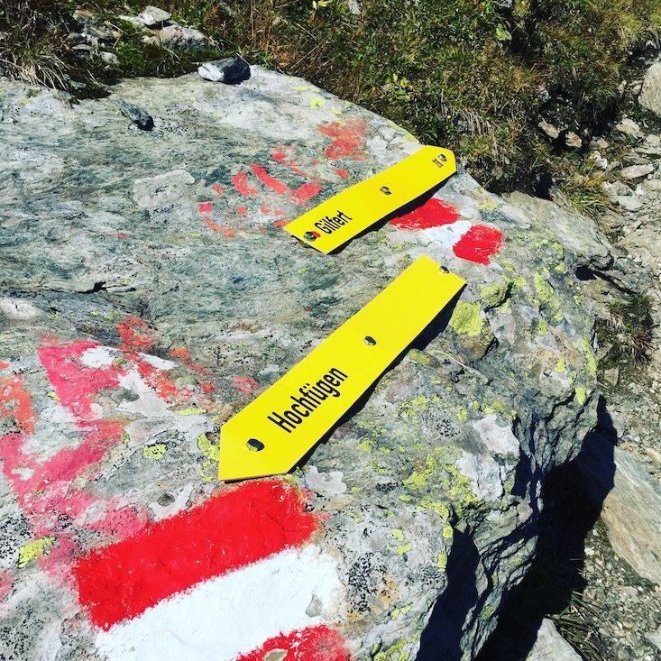 Wanderung Loas Gilfert Hund wandern Tuxer Alpen Inntal