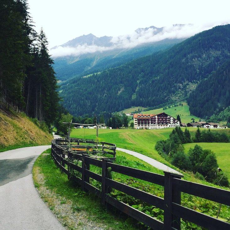 Kaunertal Weißseespitze Alpen Tirol Rollstuhl Camping Hund
