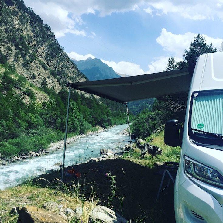 vallée d'ubaye Frankreich Alpen Fluss Camping Wildcamping Hund Wohnmobil Campingbus