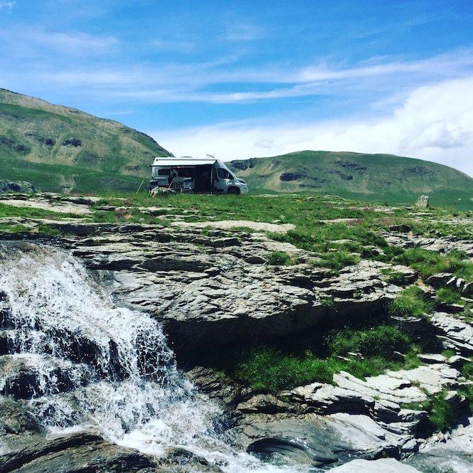 Col de la Bonette Stellplatz Wildcamping Berg Wohnmobil Campingbus