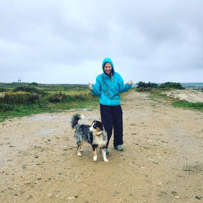 Welthundetag wandern mit Hund Strand Frankreich Camping