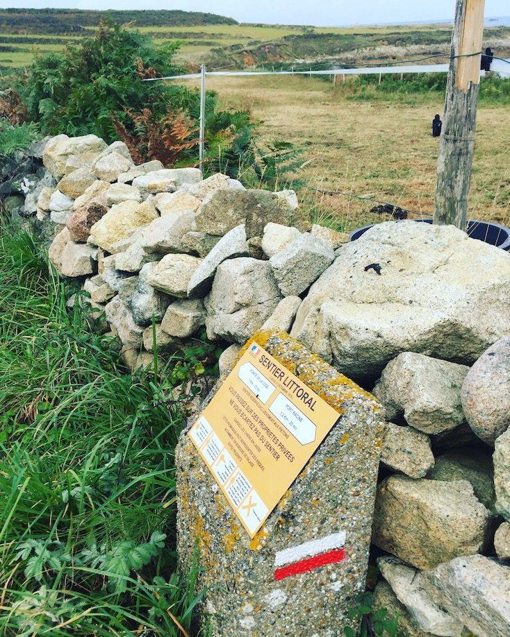 La Hague Normandie La Manche Cotentin Sentier du Littoral Zöllnerweg Weitwandern Wandern Wanderweg Hund Frankreich