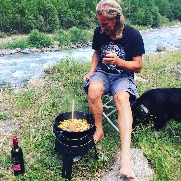 Camping-Grill Gaskartusche Outdoor Zubehör Gadget Camping mit Hund
