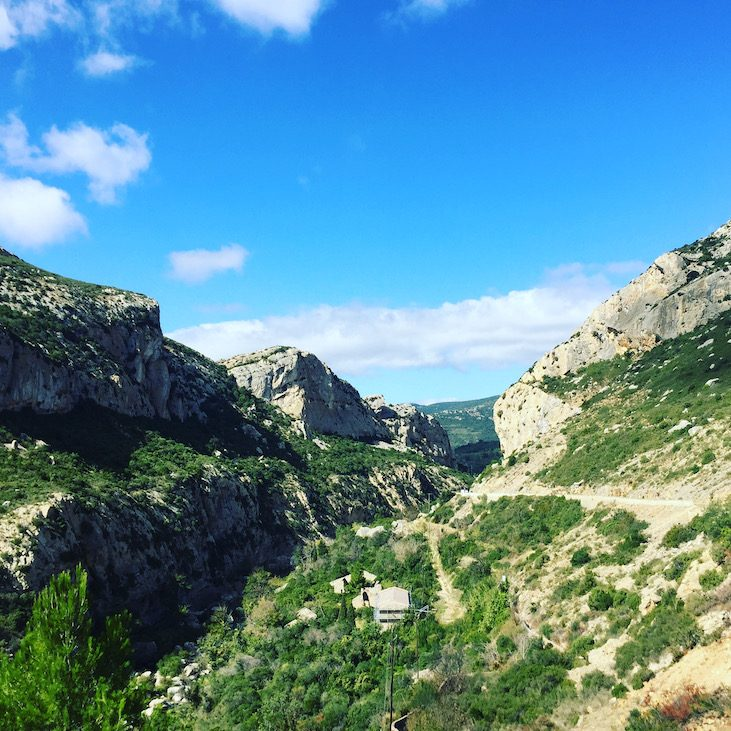 Languedoc Roussillon Schlucht Camping Wohnmobilreise Frankreich Südfrankreich pays cathare Aude Rundreise mit Hund