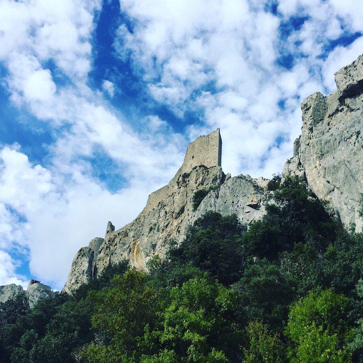 Languedoc Roussillon pays cathare Chateau Peyrepertuse Katarre-Burgen Aude Südfrankreich Rundreise Kultur
