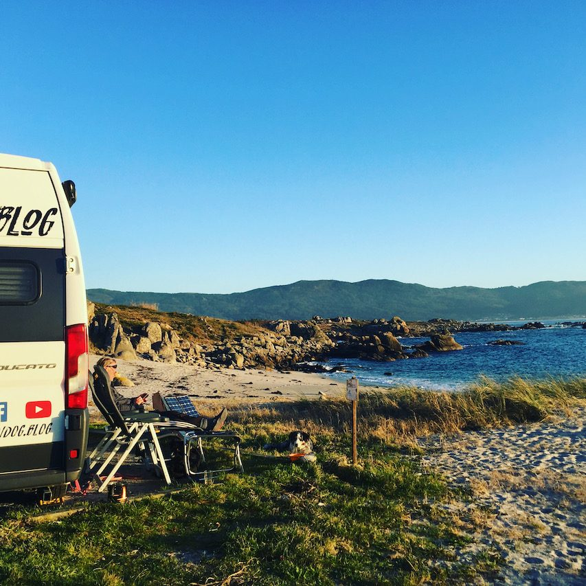 Galicien Camping am Strand mit Hund Wildcamping Spanien Nordspanien Atlantik