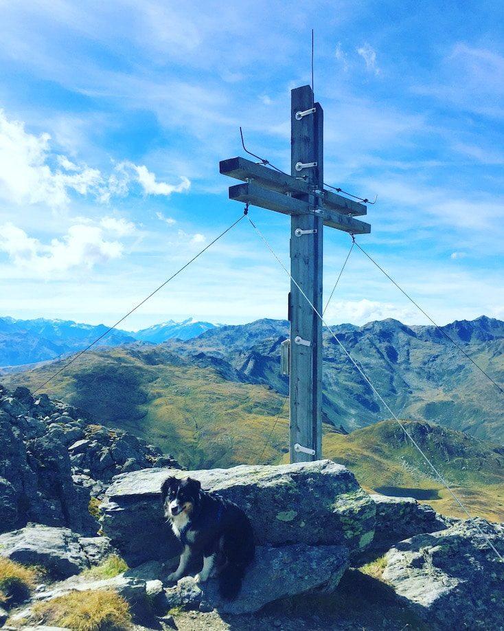 Pallspitze wandern mit Hund Camping Roadtrip Kurzurlaub Kitzbüheler Alpen Brixental Kelchsau Wanderung Langer Grund