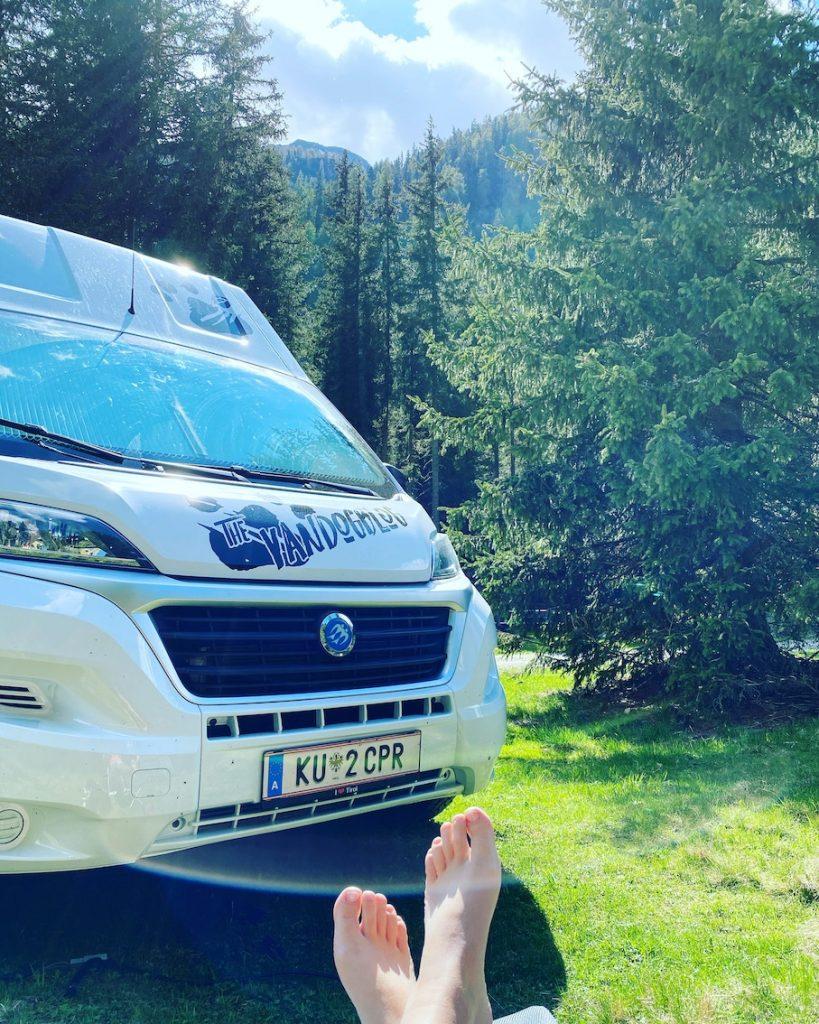 Alleine Verreisen Solo Travel Campingbus Wohnmobil Roadtrip Osttirol Villgratental Österreich Camping mit Hund