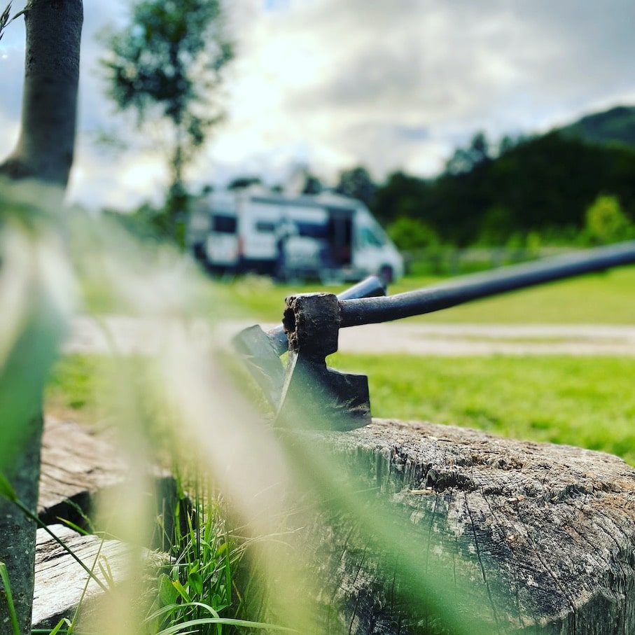 Kamp Velebit Camping in Kroatien Campingplatz Hund Glamping Berge Wandern Hinterland Hobbits Fantasy