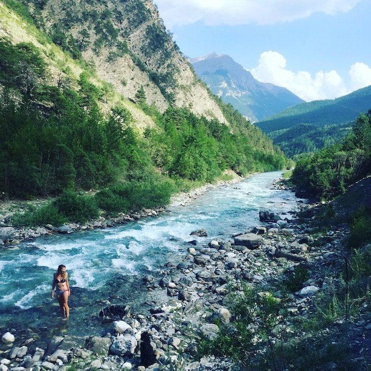 Vallee d'ubaye Frankreich Alpen Wildcamping Hund Wohnmobil Campingbus  Fluss