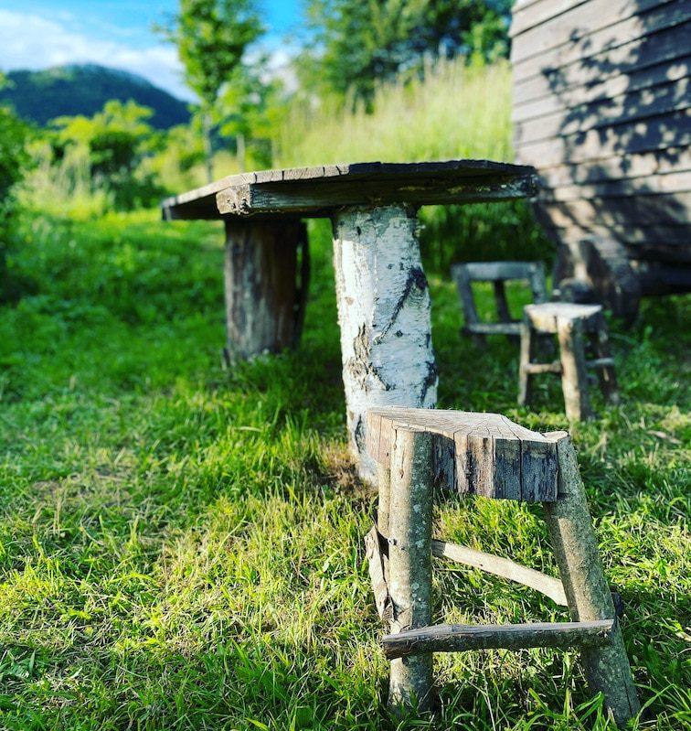 Kamp Velebit Camping in Kroatien Glamping Hobbit Häuschen