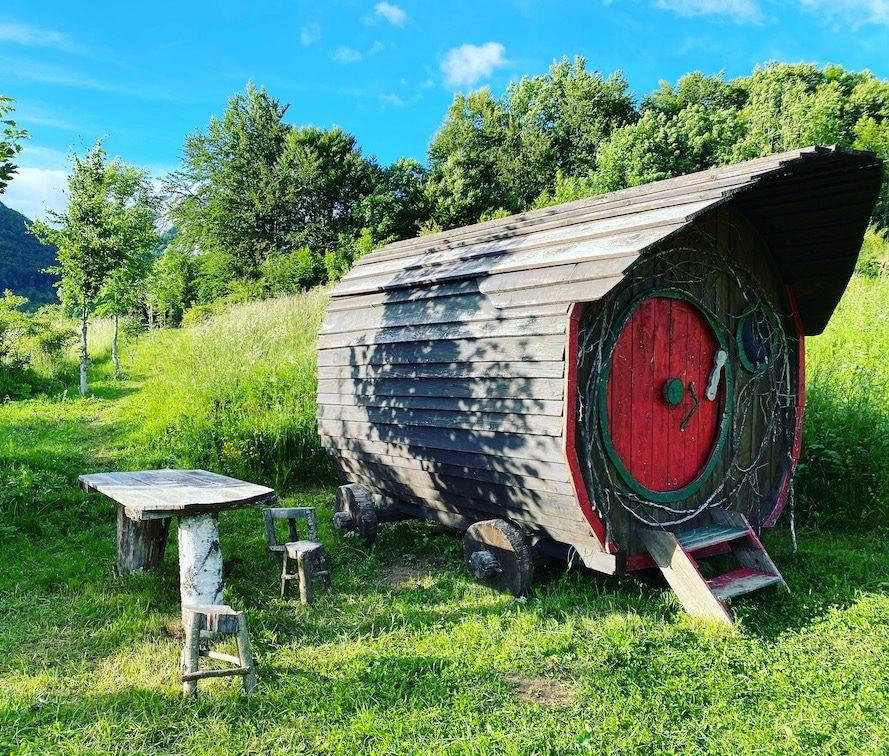 Kamp Velebit Campingplatz Kroatien Glamping Camping mit Hund Hobbit