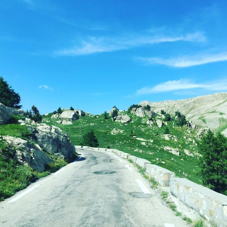 Col de la Cayolle Alpenpass Pässe Frankreich Route des Grandes Alpes Wohnmobil Camping verboten Campingbus Hunde verboten
