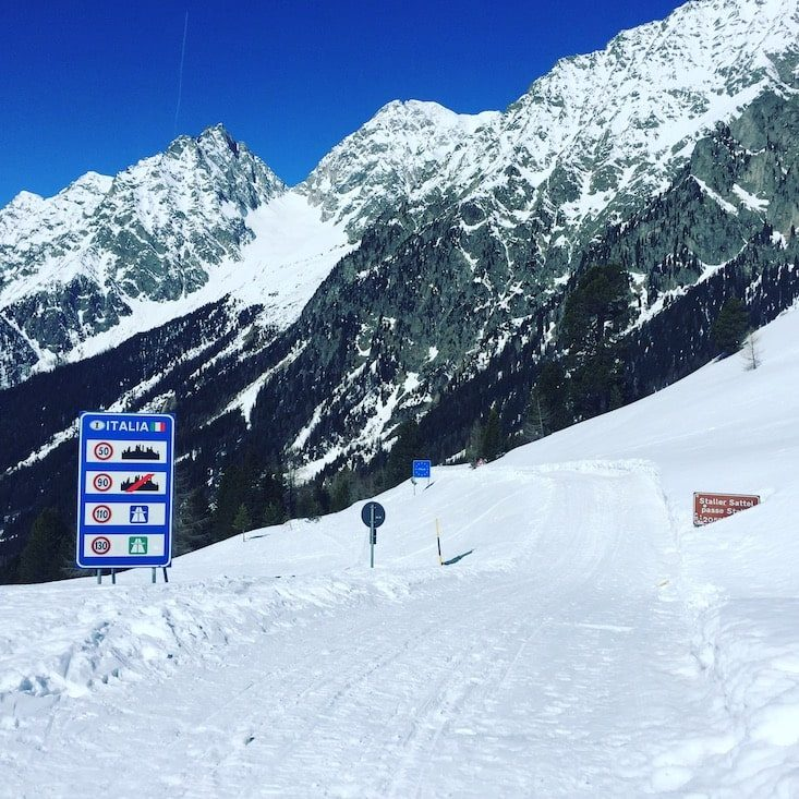 Staller Sattel Osttirol Defreggental Hund Wintercamping Schneeschuhwandern