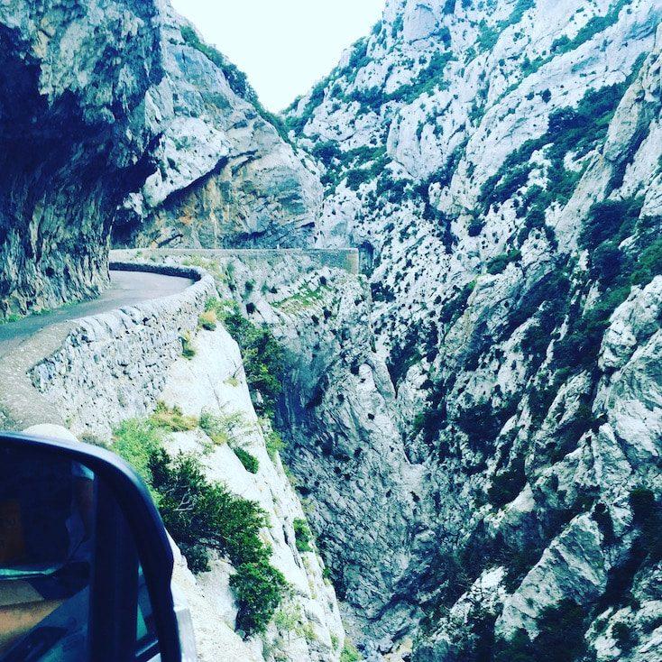 Languedoc Roussillon Gorges du Galamus Schlucht Südfrankreich Frankreich sehenswert Ausflugsziel Panoramastraßen