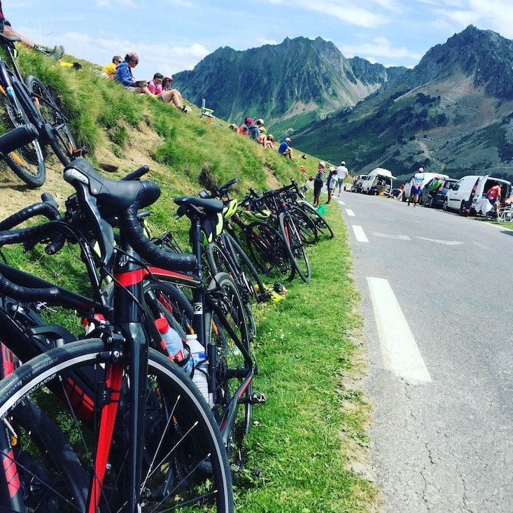 Tour de France Col du Tourmalet Camper camping hund Pyrenäen