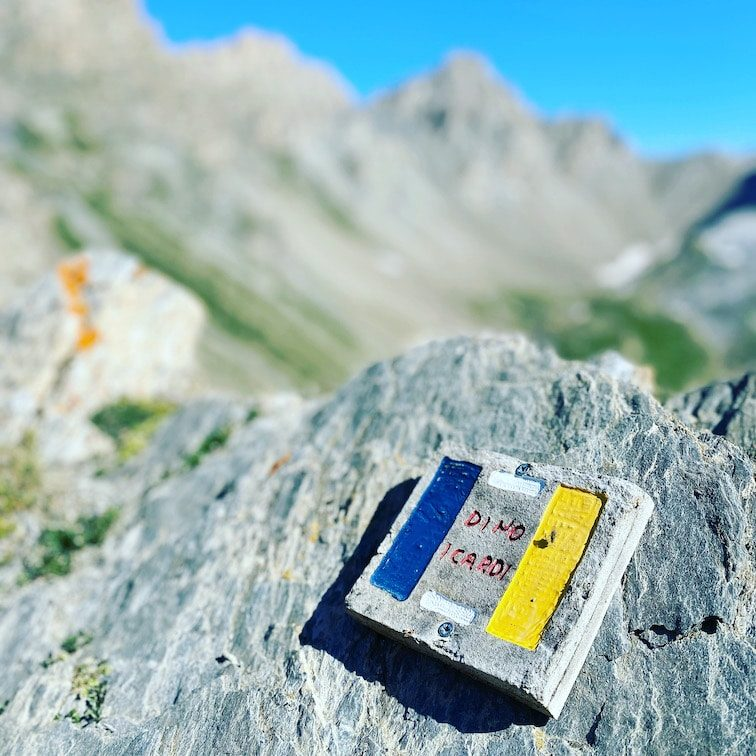 Valle Maira Sentiero Dino Icardi Wandern Markierung Piemont Alpen