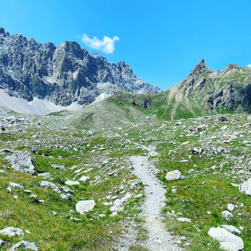 Valle Maira Sentiero Dino Icardi Wandern Piemont Cottische Alpen