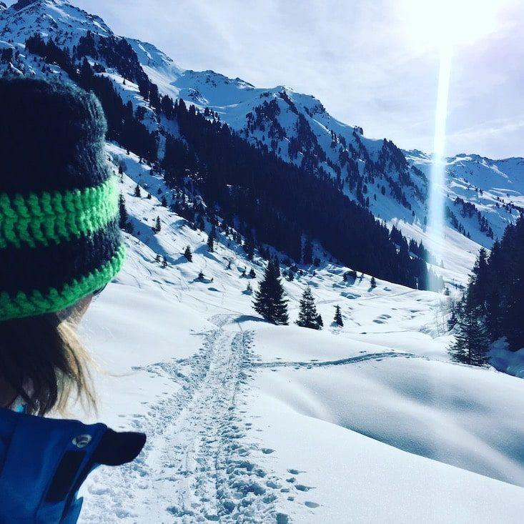 Wintercamping Kelchsau Schneeschuhe hund