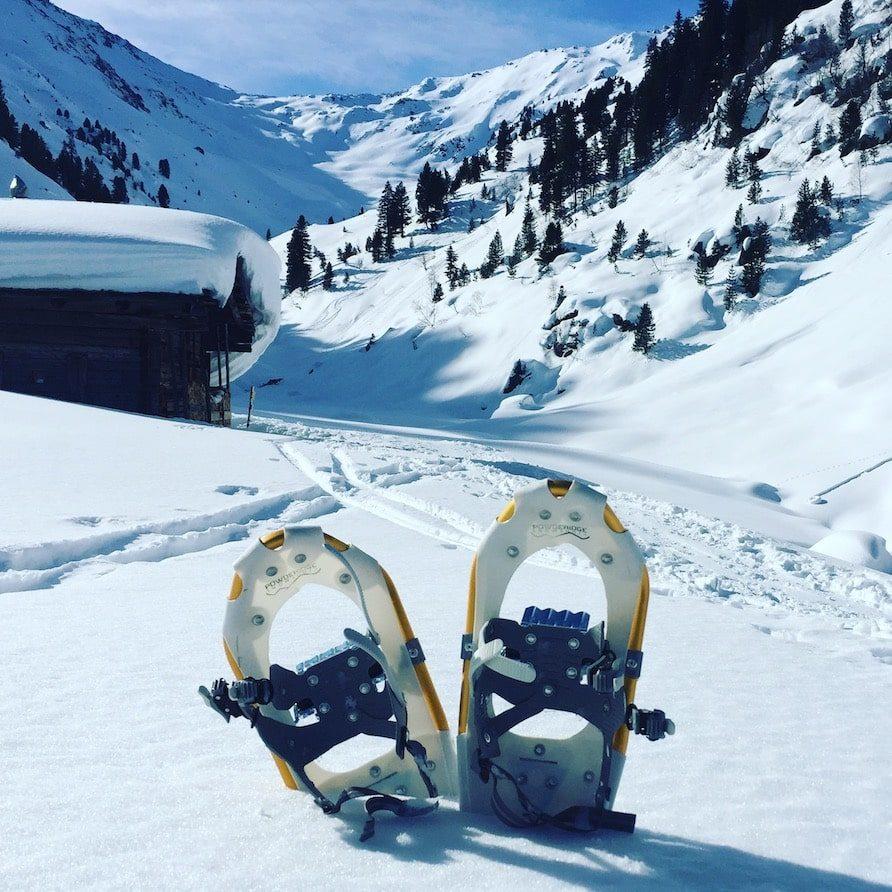 Wintercamping Schneeschuhe Hund Kelchsau