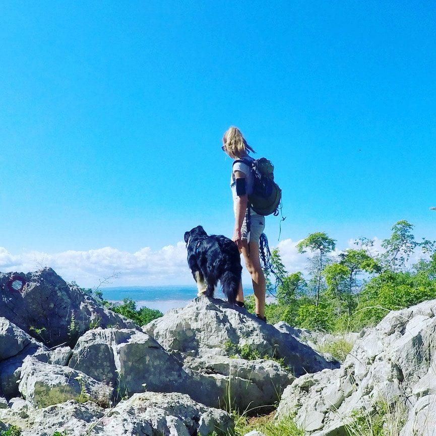 Optimismus_Corona Wandern mit Hund Velebit Kroatien Roadtrip