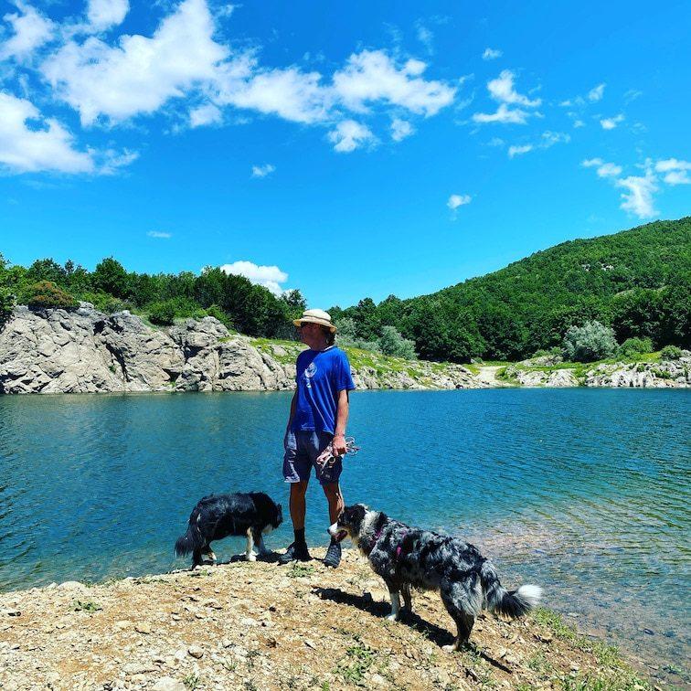Corona Reisefreiheit Campin mit Hund Roadtrip Stausee Kroatien
