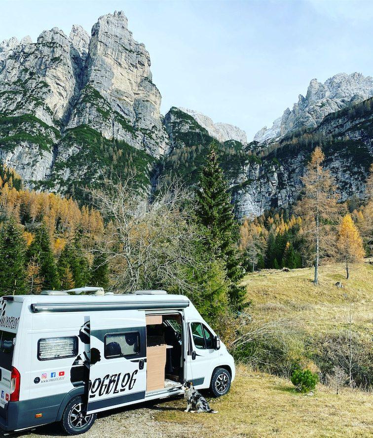 Reisen während Corona Roadtrip Dolomiten Kastenwagen Camping mit Hund Italien Alpen Wohnmobil